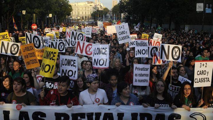 Manifestación de estudiantes para pedir la derogación de las reválidas y de la LOMCE.