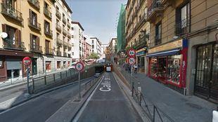 Entrada al túnel que da paso al aparcamiento de Plaza Mayor.