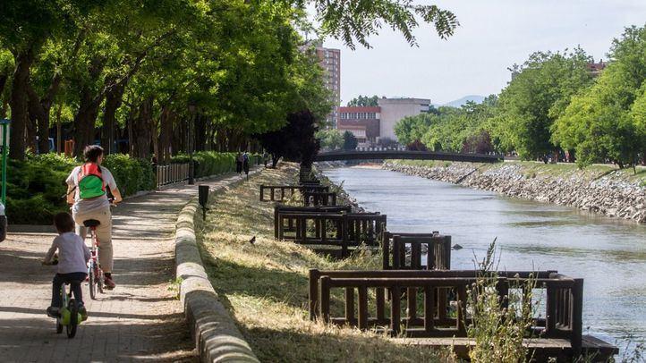 Caña en mano por Madrid: regresa la pesca al Manzanares