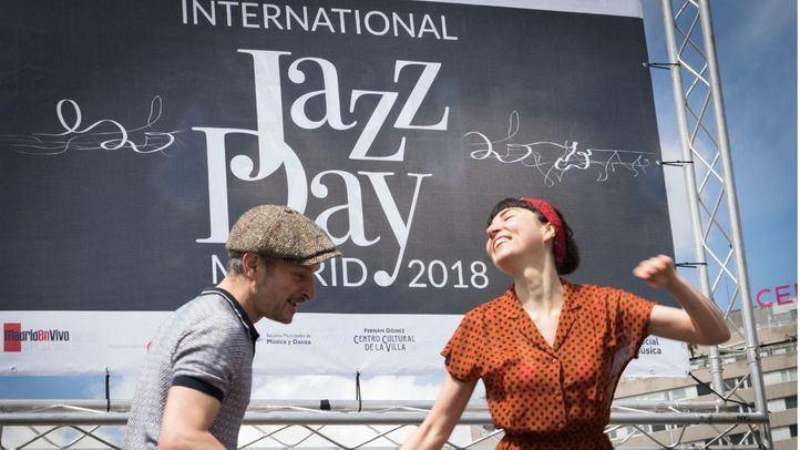 Celebración del Día Internacional del Jazz con diferentes conciertos y actividades en la Plaza de Colón.