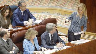 Cifuentes renuncia al escaño, su último asidero a la política regional