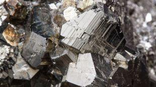 China eleva su producción de mineral de hierro para el mercado externo