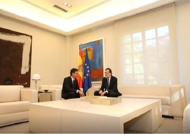Rajoy y Sánchez pactan la respuesta ante el desafío soberanista catalán