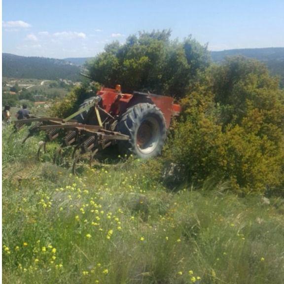 Herido grave tras caer de su tractor en Cobeña