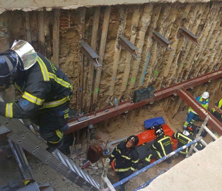 Accidente laboral en Atocha: un hombre se cae de una altura de cinco metros