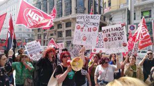 Trabajadores de H&M protestan frente a la tienda de Gran Vía