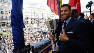 El acto, presidido por el presidente de la Comunidad de Madrid, Ángel Garrido, han intervenido el presidente del Real Madrid, Florentino Pérez, y el capitán del equipo, Felipe Reyes.