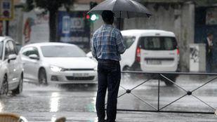 Las fuertes lluvias provocan daños en viviendas y sótanos