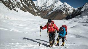 El alpinista Carlos Soria, en su camino al Campo II del Dhaulagiri.