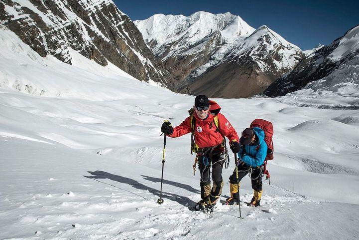 La cima del Dhaulagiri se resiste ante Carlos Soria: