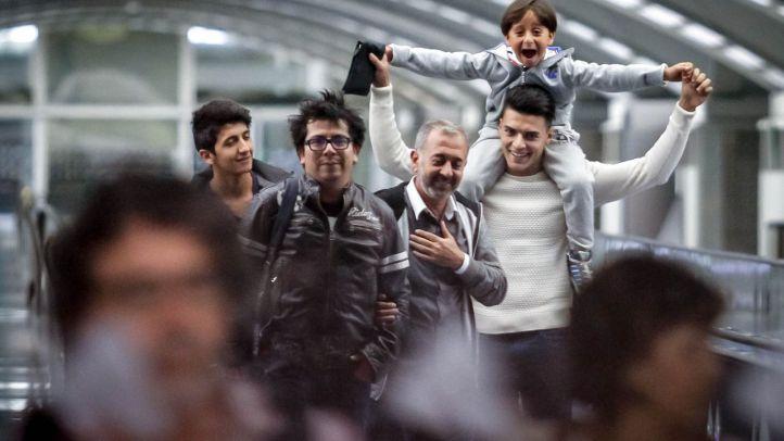 Luz en un proceso de acogida sombrío: llegan los primeros refugiados