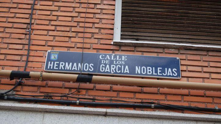 Imagen de archivo de la placa en la calle Hermanos García Noblejas.
