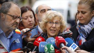 Manuela Carmena tras encontrarse al segundo obrero desaparecido en el edificio de Chamberí.