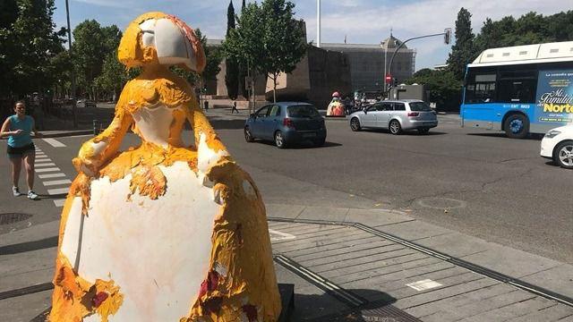 La menina de la calle Goya sufre un acto vandálico