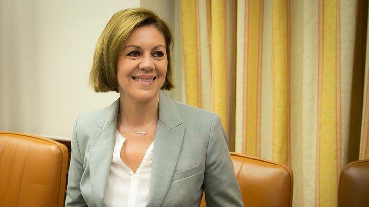 Cospedal amenaza al PSOE por insinuar que cobró en 'b'