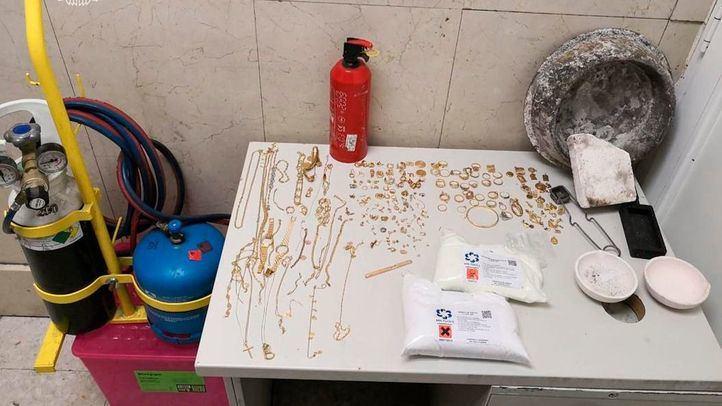 Material requisado por la Policía Municipal en el distrito Centro
