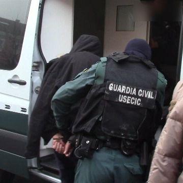 Dos detenidos por extorsión y robo con violencia