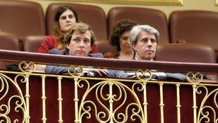 José Luis Martínez Almeida y Ángel Garrido, en el Congreso de los Diputados.