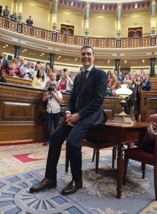 Ave, Pedro: Sánchez encuentra los apoyos (y su sitio) en el Congreso