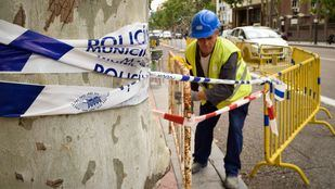 Trabajos de preparación para la demolición del edificio de Martínez Campos.