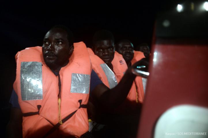 Más de 200 municipios se han ofrecido ya para acoger a los migrantes del Aquarius