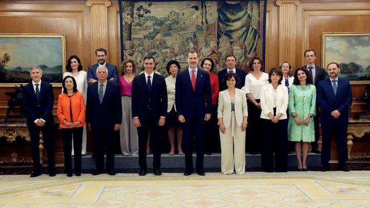 Los nuevos ministros del Gobierno de Sánchez prometen sus cargos en Zarzuela
