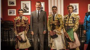 Paco Ureña destaca en una 'victorinada' muy vulgar con presencia del Rey
