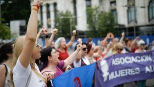 Concentración contra la violencia machista frente al Ayuntamiento de Madrid.
