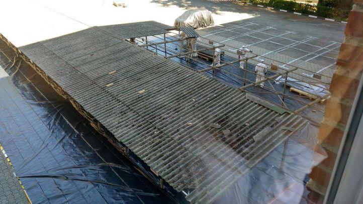 Metro desmonta el techo de su parking en Cavanilles