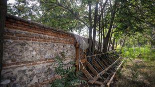 Muro de cerramiento o tapia del Vivero Municipal en la Casa de Campo.