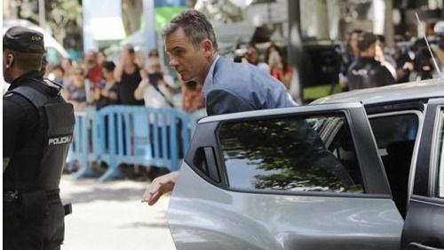 Urdangarin y Torres recogen en la Audiencia de Palma su mandato para entrar en prisión
