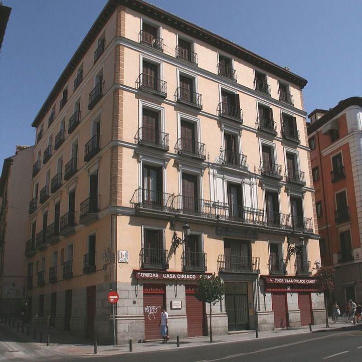 Casa Ciriaco está en el número 84 de la calle Mayor.
