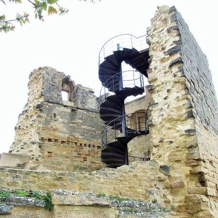 Muere tras caer desde el Castillo de Briones, en La Rioja
