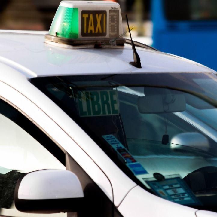 Más de 1.200 taxistas vestirán camisa y pantalón de color azul
