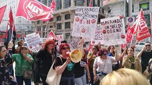 Manifestación de los trabajadores de H&M (Torrejón) frente a la tienda de Gran Vía