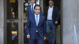 Javier Ramos, rector de la URJC, a la salida de los Juzgados de Plaza Castilla tras declarar ante la juez que investiga las irregularidades del caso Máster de Cristina Cifuentes.