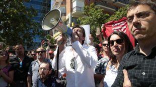 Monedero, Montero y Mayoral, recibidos por los taxistas