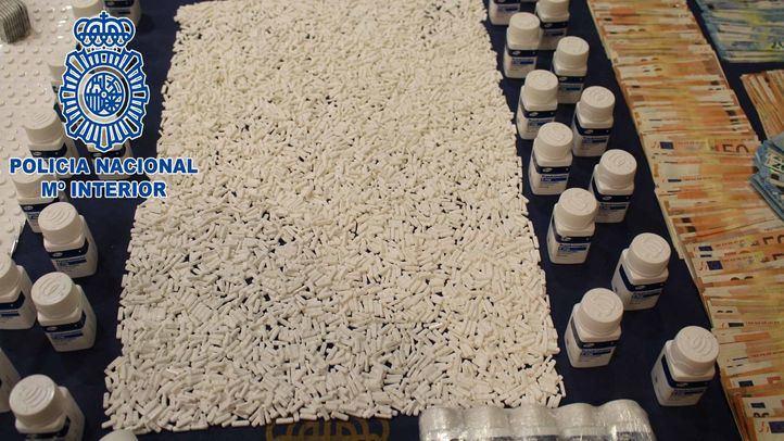 Material intervenido a una red implicada en la elaboración de 'karbuki', la droga que está causando estragos en Marruecos, especialmente entre las clases más desfavorecidas