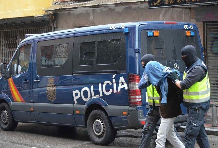 Policía Nacional detiene un hombre (Imagen de archivo)