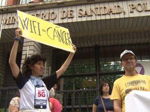 Protesta contra la implantación de la tecnología 5G