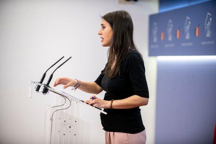Montero, embarazada, en el Congreso de los Diputados