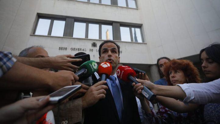La sombra de una moción de censura planea sobre la Universidad Rey Juan Carlos