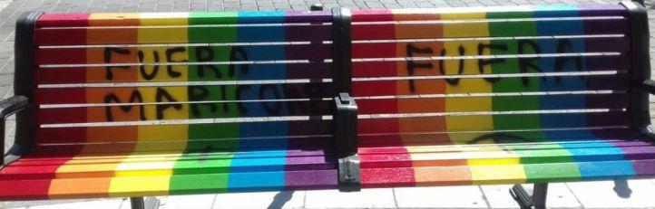 'Fuera maricones': pintadas homófobas en Vallecas