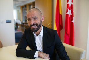 El consejero, en su despacho de la calle Alcalá.