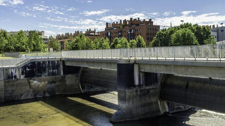 El Consistorio estudia embalsar el tramo del Manzanares usado por los remeros