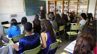 La Comunidad contratará 800 nuevos profesores