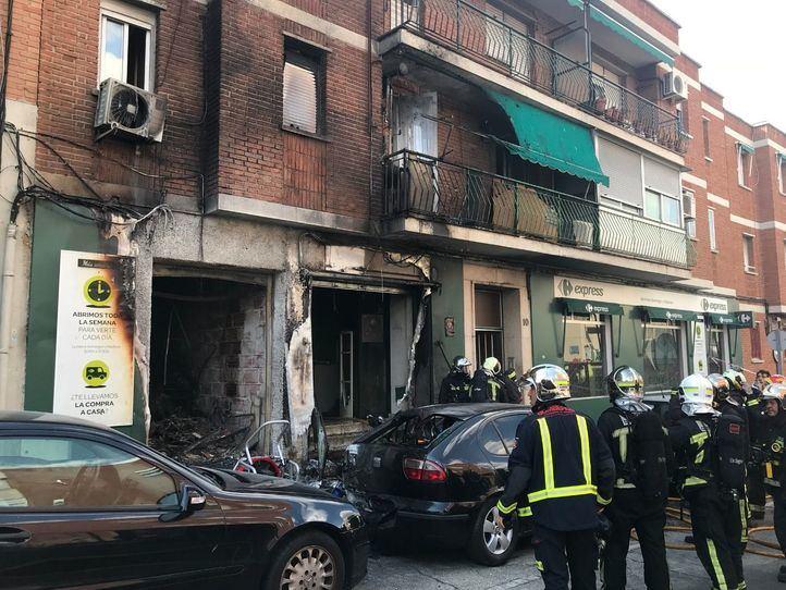 Aparatoso incendio en Leganés con tres heridos leves