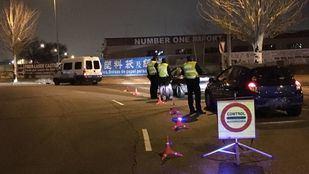 Control en el que agentes de la Policía Local de Fuenlabrada detuvieron al conductor ebrio.