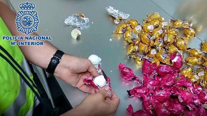 Detenido en Barajas con cuatro kilos de 'bombones de cocaína'
