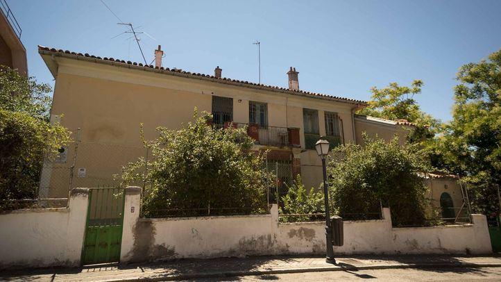 Vista frontal de la casa desde la calle Vicente Aleixandre.